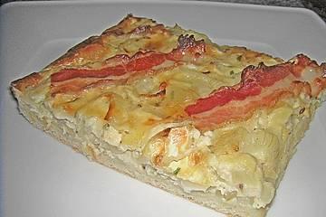 Zwiebelkuchen mit Camembert und Speck