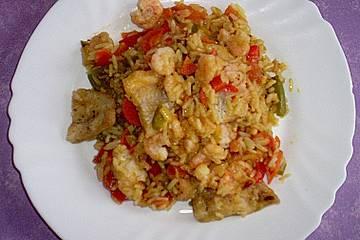 Gemüse-Reistopf mit Fisch und Krabben