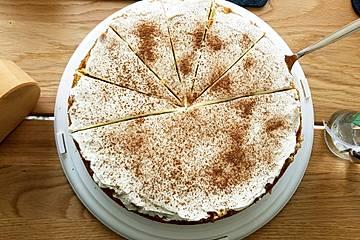 Rhabarberkuchen mit Streuseln und Schmandcreme