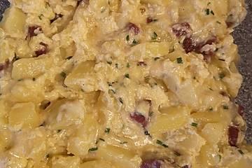 Ofeneier mit Kartoffeln und Sucuk