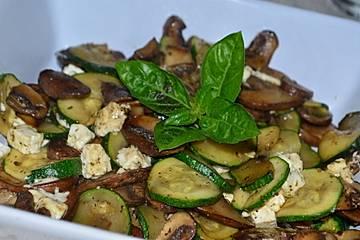 Champignon - Zucchini - Pfanne mit Feta