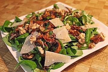 Feldsalat mit gebratenen Champignons