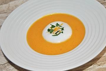 Karottensuppe mit Orangen