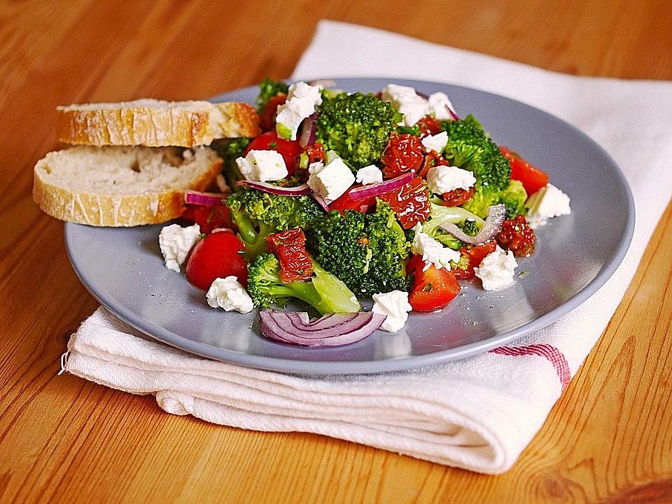 mediterraner-brokkolisalat