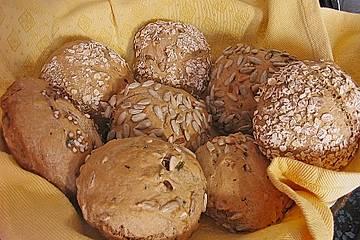 Urmelis Dinkel - Buttermilch Brötchen mit Schnittlauch