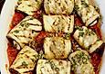 Auberginenroellchen-mit-Mozzarella-und-Tomatensauce
