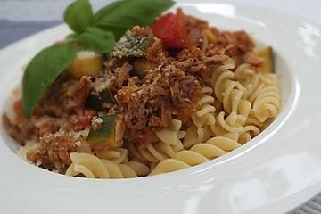 Spaghetti mit Zucchini - Thunfisch - Soße