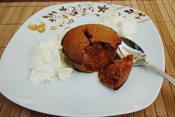 Karamellmuffins mit flüssigem Kern