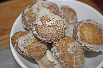 Kartoffeln in Salzkruste mit Knoblauchdip