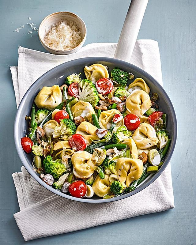 Vegetarische Tortellini-Pfanne