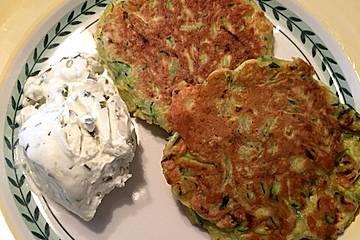 Zucchini - Puffer mit Käse