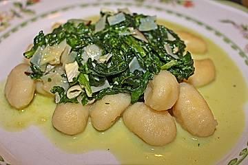 Gnocchi mit Spinat - Gorgonzola - Sauce