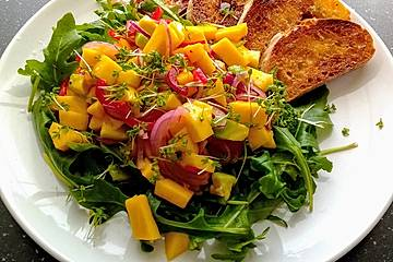 Frischer Mangosalat