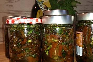 Getrocknete Tomaten, pikant eingelegt