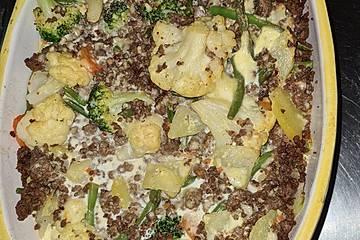 Gemüseauflauf mit Mettbällchen