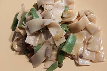 Vollwertige und kalorienarme Nudel - Hähnchen - Pfanne