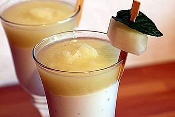 Joghurt - Creme mit Melonenspieß