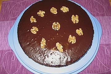 Walnuss - Schokoladen - Kuchen