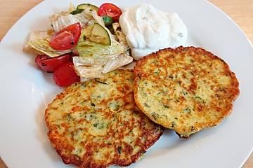 Zucchini-Küchlein mit Joghurtdip