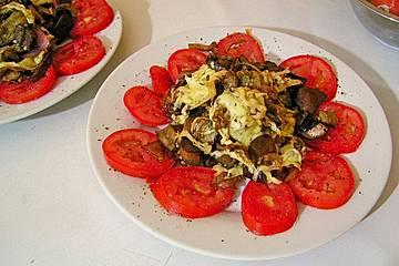 Auberginen - Pilz - Salat mit Käsekruste