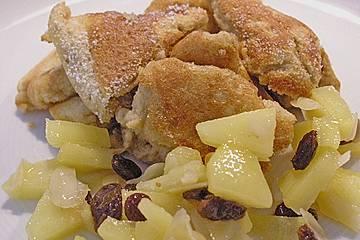 Kaiserschmarrn mit karamellisierten Äpfeln