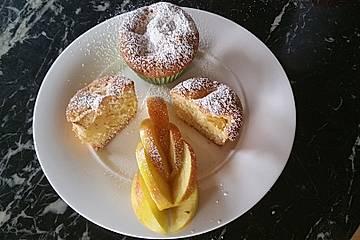 Feiner Sandkuchen mit Äpfeln