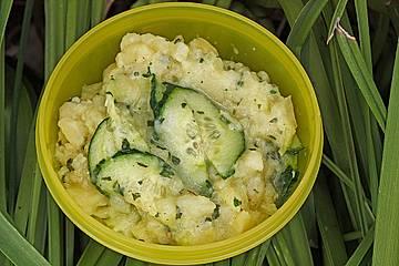 Leichter Kartoffelsalat mit Gurken