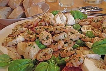 Tomaten - Mozzarella - Salat mit Garnelen