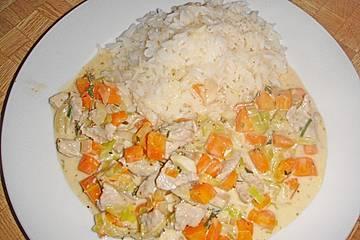 Geschnetzeltes Schweinefleisch an Kräuter - Senf - Sauce