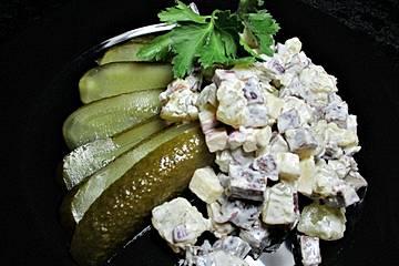 Handkäs - Salat mit Blutwurst