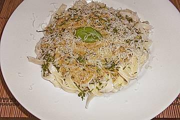 Basilikum - Nuss - Sauce zu Spaghetti