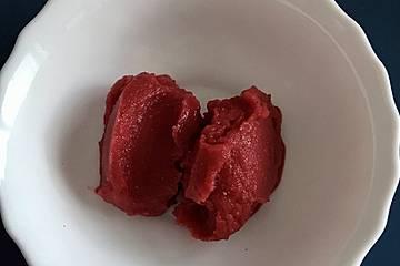 Leichtes Erdbeersorbet