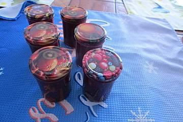 Erdbeer - Rhabarbermarmelade mit Mandarinenlikör