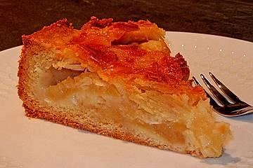 Apfelkuchen mit knuspriger Mandeldecke