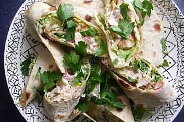 Wraps mit Thunfisch, Schinken oder Hühnchen