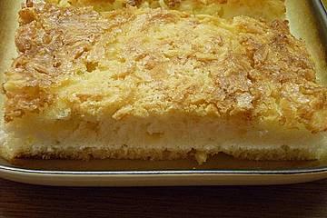 Roros Quark - Ölteig Kuchen mit saftiger Mandelkruste