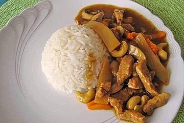 Putengeschnetzeltes in Currysoße