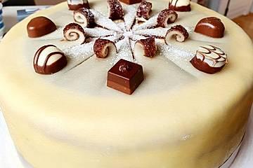 EikOs Buttercreme - Marzipan - Torte