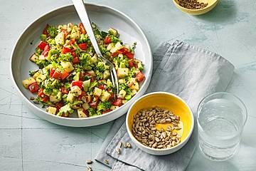 Brokkoli-Paprika-Apfel-Salat