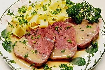 Gekochte Rinderzunge mit Madeirasoße
