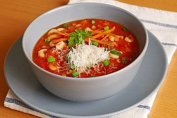 Rote Linsen - Nudelsuppe