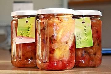 Apfel - Zwiebel Chutney mit grünem Pfeffer von Rosinenkind