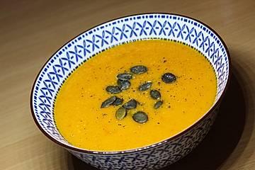 Kürbis - Paprika - Suppe