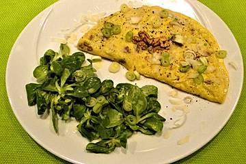 Omelett mit Gorgonzola und Nüssen