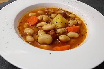 Judias con chorizo - spanischer Bohneneintopf