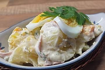 Kartoffelsalat nach Mutters Art mit Fleischsalat