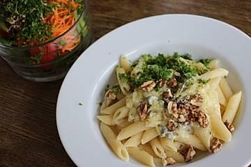 Nudeln mit Gorgonzola-Walnuss Sauce