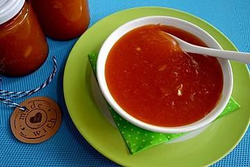 Aprikosenmarmelade mit Mandeln