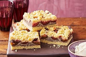 Zwetschgenkuchen mit Mohnquark + Butterstreuseln