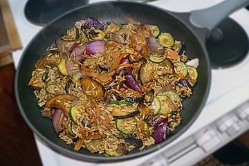 Thai Hähnchenbrust mit gebratenem Curryreis und Gemüse